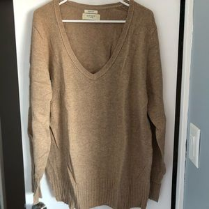 Old Navy v neck sweater in oatmeal